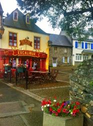 Excalibur restaurant in Locquenole