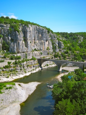 Walk along Ardeche River near Balazuc