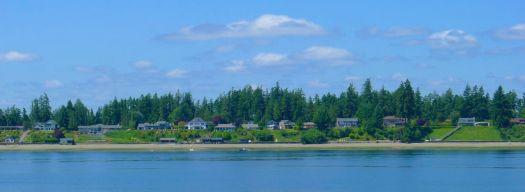 Shoreline coming into Tacoma