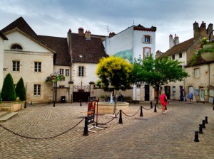 Walking the streets of Beaune
