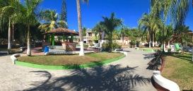 La Cruz Plaza